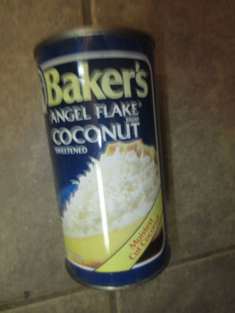 Can flaked coconut