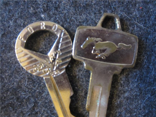 Vintage Ford Mustang Car Keys Advertising