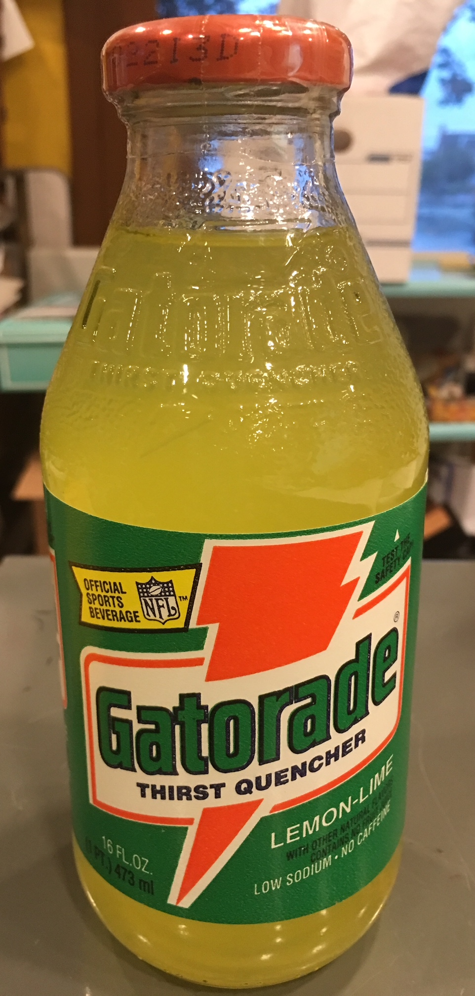 450d519f358 Food Advertising : Gatorade THIRST QUENCHER Lemon-Lime Vintage 1993 Glass  Bottle Official Sports Beverage of the NFL 16 FL Oz
